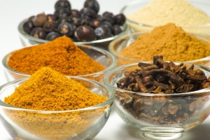 spices-white-pepper-nutmeg-45844